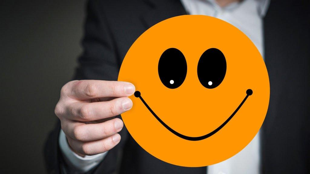 Smile Hand Keep Presentation Joy emoji-3202677_1920